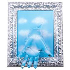 Portachiavi da parete ''Cornice'' mano in resina decorata a mano cm 33x27x11, cromo e celeste con nuvole