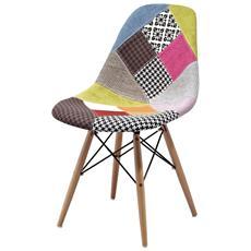 Sedia DSW imbottita, rivestita con tessuto effetto patchwork e con gambe in legno di faggio naturale. Prodotto di elevata qualità.