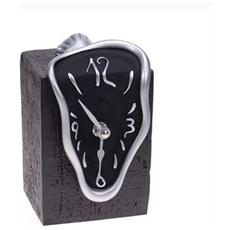 Orologio da tavolo ''Orologio figueras'' in resina decorata a mano Meccanismo al quarzo tedesco UTS Dimensione cm 15x10x9 Colore alluminio e nero