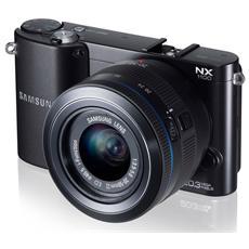Smart Camera NX1100 Nero Kit 20-50 f3,5/5,6 Risoluzione 21 Mpx Display 3'' Filmati Full HD Foto 3D Wi-Fi