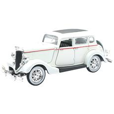 New Ray Ford De Luxe Fordor Bianca 1934 Classic Collection 1:32 Art. 55213ss