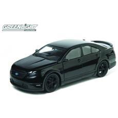 Green18211 Ford Taurus Sho 2012 Men In Black 3 1:24 Modellino