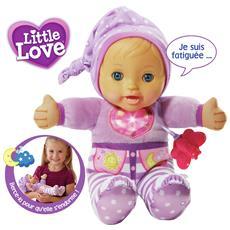Piccola bambola con tutina e cuffia