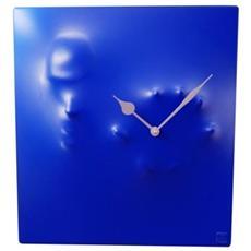 Orologio da parete ''Sine tempore'' in resina decorata a mano Meccanismo al quarzo tedesco UTS Dimensione cm 39x11x44 Colore blu