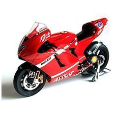 10526 Ducati Desmosedici Stoner '07 1/9 Modellino