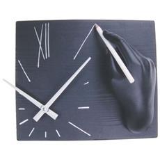 Orologio da parete ''Sulegno'' in resina decorata a mano Meccanismo al quarzo tedesco UTS Dimensione cm 26x21x10 Colore nero