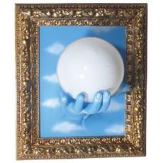 Lampada da parete ''Su mano con cornice'' in resina decorata a mano Dimensioni cm 33x27x21 colore oro e celeste con nuvole