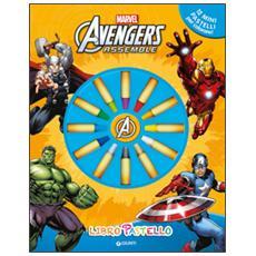 Avengers assemble. Libro pastello. Ediz. illustrata. Con gadget