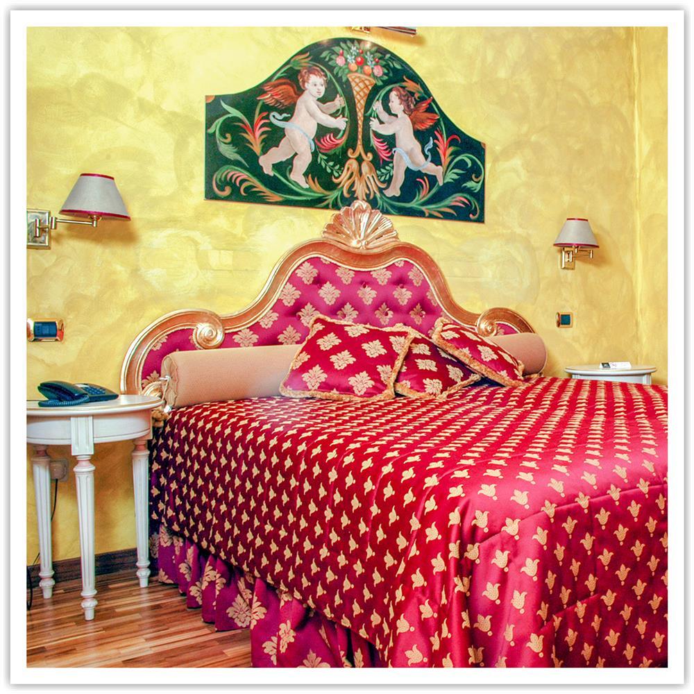 Smartbox Cofanetto Regalo Soggiorno Di Una Notte Con Pausa Relax Presso L Hotel Columbia Idee Regalo Originale Eprice