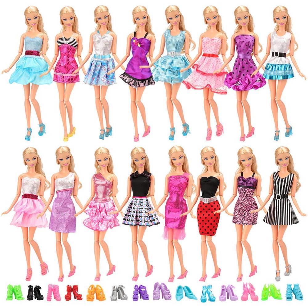 c6460f0535fd Miunana - 22 Pezzi   12 Pcs Abiti Vestiti Alla Moda Fashion + 10 Pcs Scarpe  Selezionati A Caso Per Barbie Dolls Principessa Bambola Regalo Di  Compleanno ...