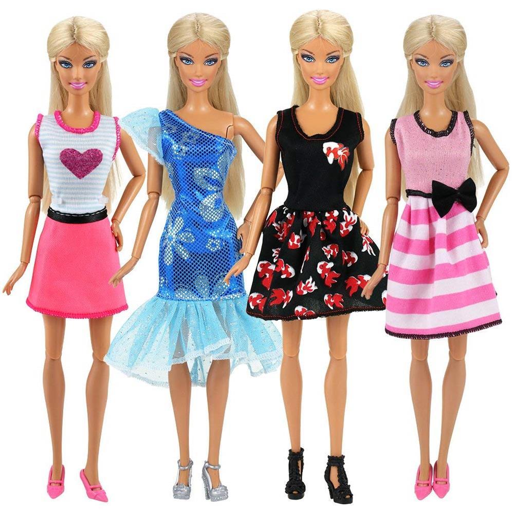 b25ccee7d6a9 Miunana 22 Pezzi   12 Pcs Abiti Vestiti Alla Moda Fashion + 10 Pcs Scarpe  Selezionati A Caso Per Barbie Dolls Principessa Bambola Regalo Di  Compleanno Festa
