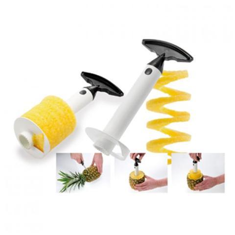 Sbuccia e affetta l'ananas